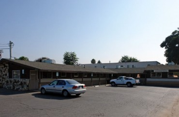 Lakeside Office/Medical Building For Sale